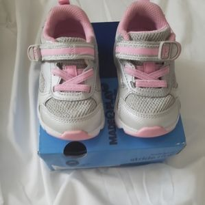 Toddler girls shoe size 4 extra wide xw